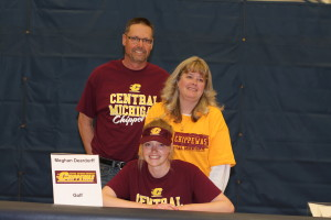 Meghan Deardorff signs her letter of intent to Central Michigan University, April 12. Photo by Wendi Reardon Price