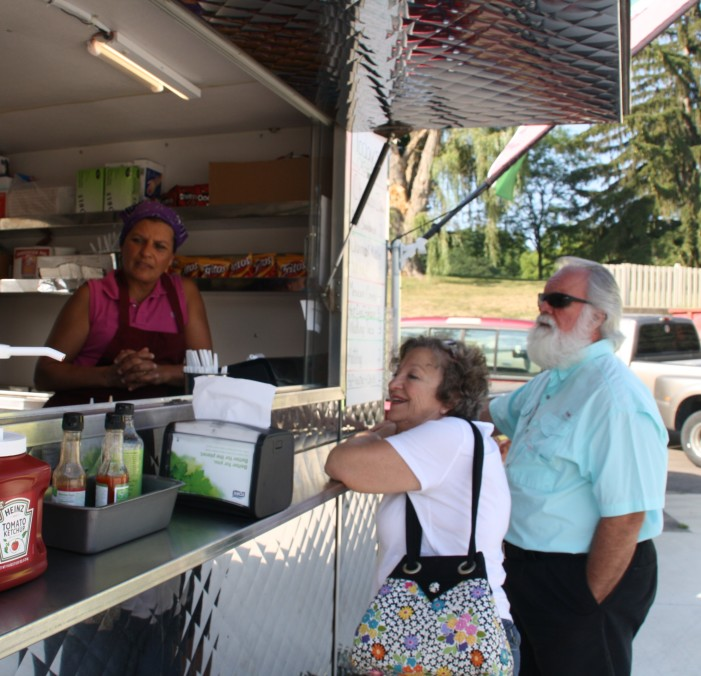 Food truck rallies in town