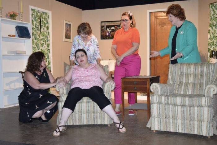 Players start season with gender-bent 'Odd Couple'