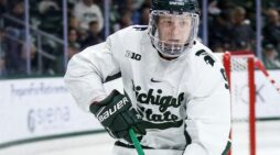 Clarkston puck star earns Big Ten honors, set for senior year